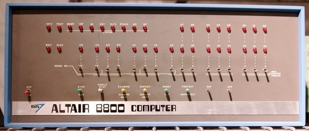 Altair_8800_at_the_Computer_History_Museum,_cropped