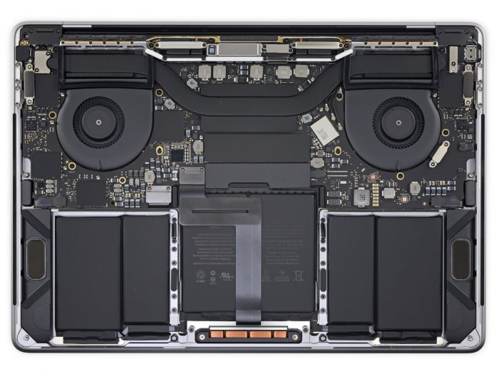 Dentro de la MacBook Pro con teclado rediseñado y chip Apple T2 3