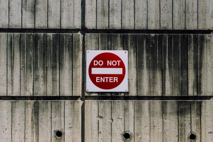 Do Not Enter / Kyle Glenn / Unsplash